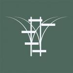 Vores velkendte logo med de to togskinner og den grønne baggrund