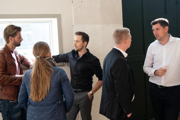Til receptionen dukkede Remisens advokat, Thomas Klæstrup og revisoren Lars Jørgensen også op