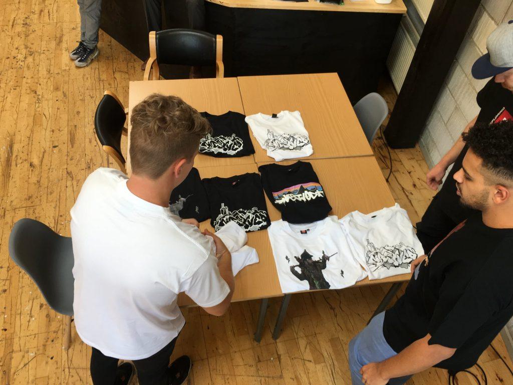 Nnneighborhood pakker t-shirts